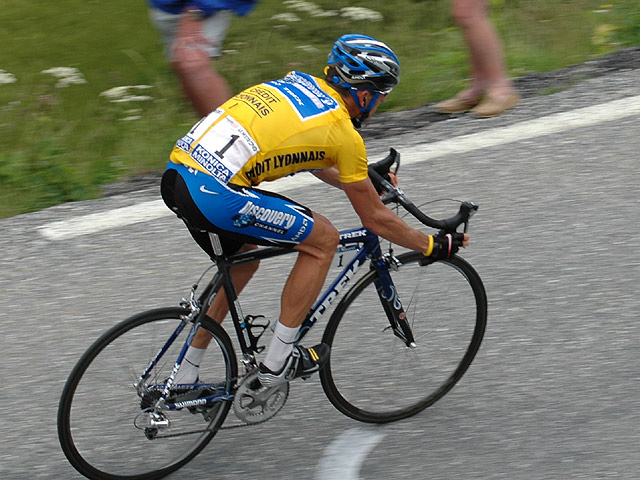 """""""Lance Armstrong 2005"""" by Bjarte Hetland - Own work. Licensed under CC BY 3.0 via Wikimedia Commons."""
