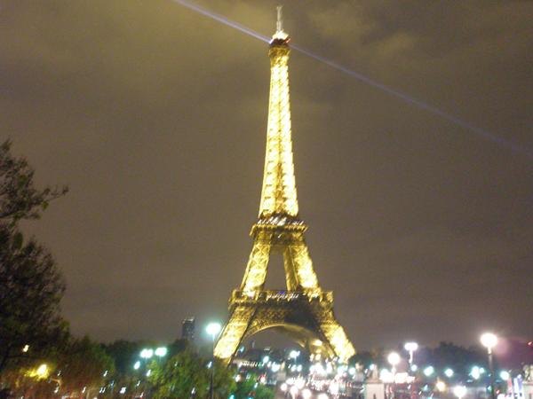 Tour Eiffel – aventura continuă